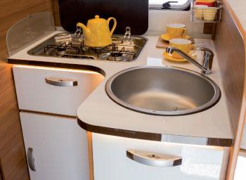 Kitchen elnagh baron alquiler y venta autocaravanas - Inmobiliaria baron y baron ...