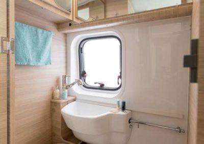 elangh e-van 5 baño autocaravancarsalerent