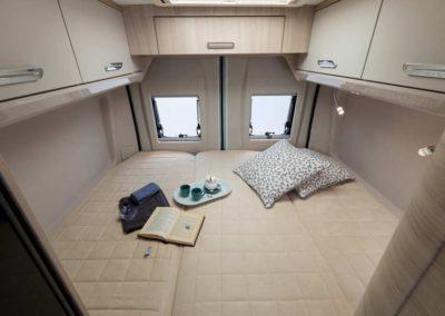 elangh e-van 2 dormitorio trasero 1 autocaravancarsalerent