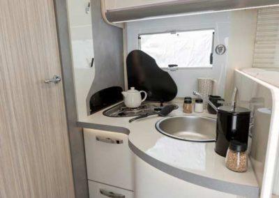 elangh magnum 530 cocina autocaravancarsalerent