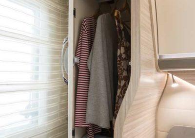 elangh magnum 581 almacenaje dormitorio trasero autocaravancarsalerent
