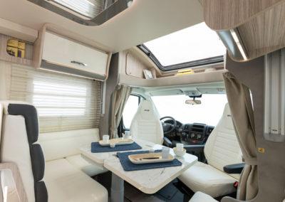 elnagh-t-loft-450-salon-autocaravancarsalerent
