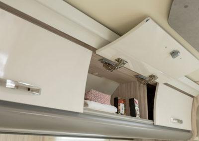 elnagh-t-loft-530-almacenamiento-autocaravancarsalerent