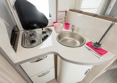 elnagh-t-loft-531-detalle-cocina-autocaravancarsalerent