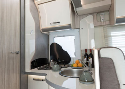elnagh-t-loft-581-cocina-1-autocaravancarsalerent