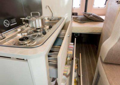 elangh e-van 5 almacenaje cocina autocaravancarsalerent