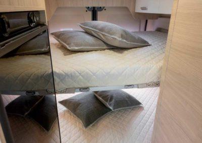 elangh e-van 5 camas traseras autocaravancarsalerent