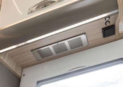 elnagh-t-loft-450-detalle-cocina-autocaravancarsalerent