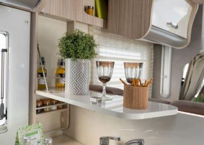 elnagh-t-loft-530-encimera-cocina-autocaravancarsalerent