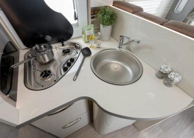 elnagh-t-loft-530-pila-cocina-autocaravancarsalerent