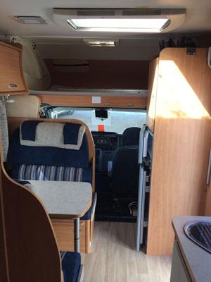 Challenger-43-6-plazas-autocarvancarsalerent